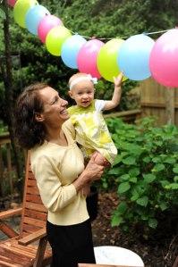 clara-mom-balloons